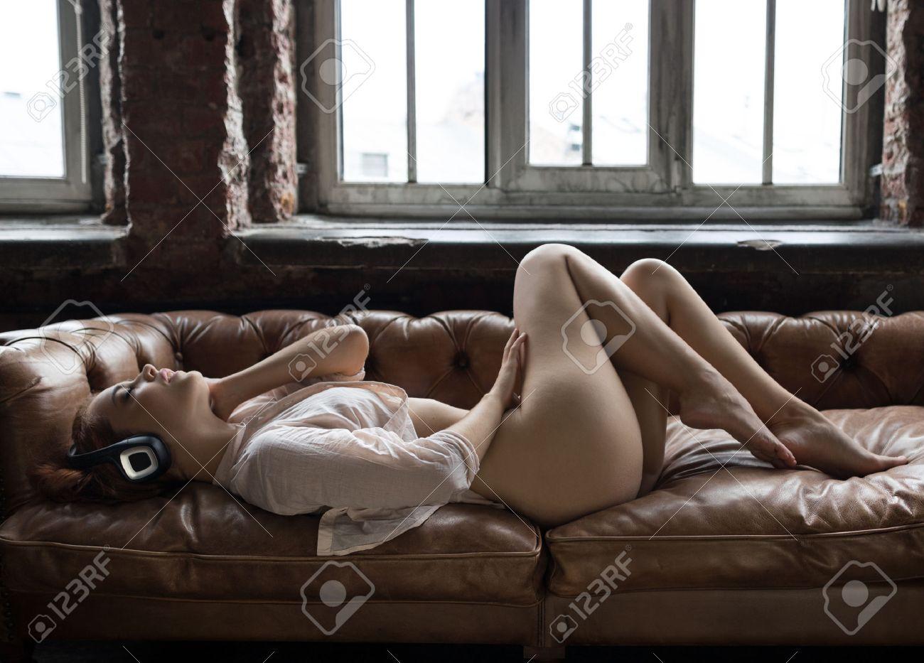 babes-lying-around-naked-gyrls
