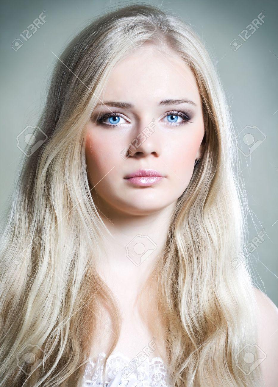 Фото девушек с белыми волосами