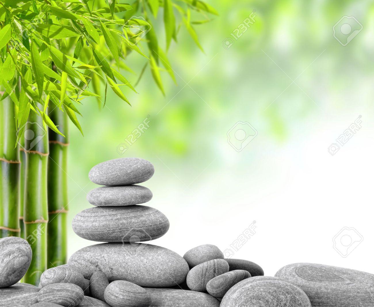 zen piedras de basalto y de bamb foto de archivo 13088643 - Piedras Zen