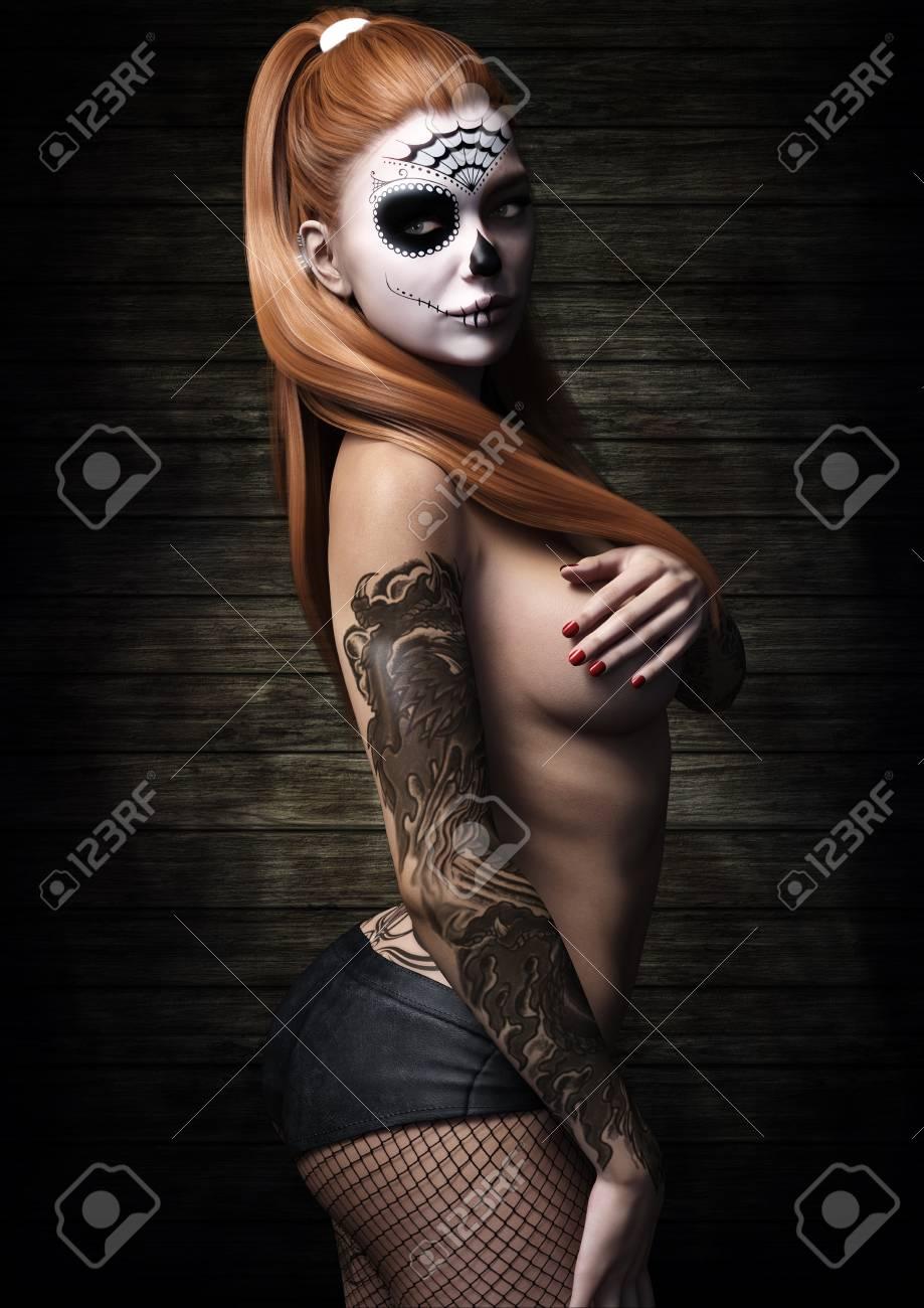 Tatto model nackt