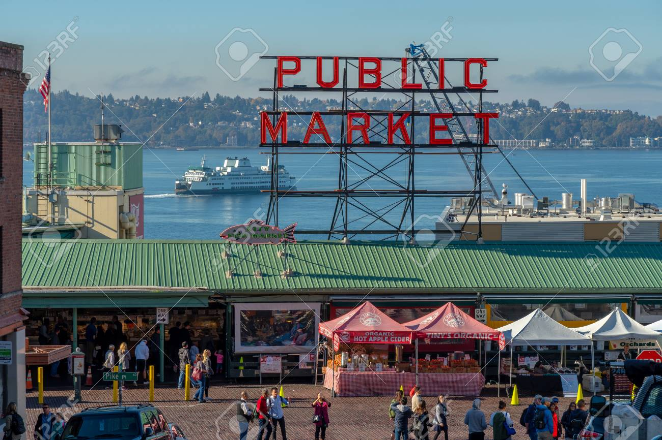 Visiting Pike Place Market in downtown Seattle, Washington USA - 114928095