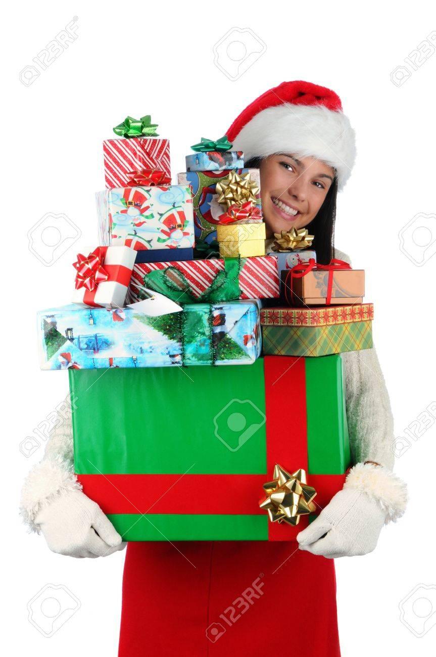 Frau Trägt Einen Großen Stapel Weihnachtsgeschenke Isoliert Auf Weiß ...