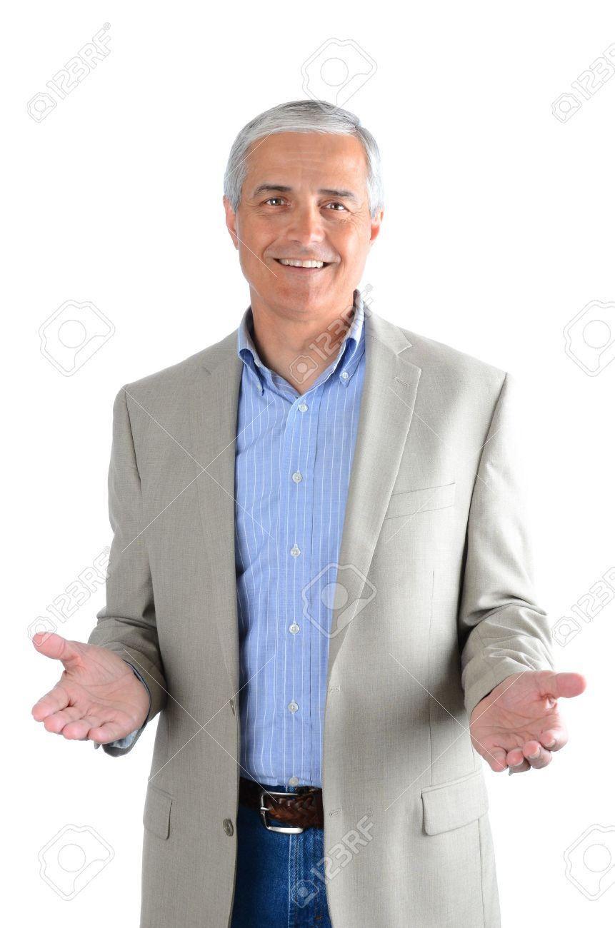 promo code ddb78 ade7f Ritratto di un casual uomo di mezza età indossa blue jeans, camicia e una  giacca sportiva. L'uomo ha entrambe le mani tese davanti a sé su uno sfondo  ...