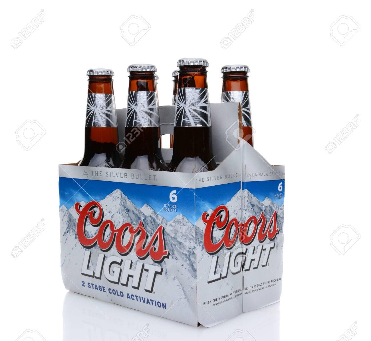 IRVINE, CA   25 De Mayo 2014: Un Paquete De 6 De Coors Light Beer, 3/4  Vista. Coors Opera Una Fábrica De Cerveza, En Golden, Colorado, Que Es La  Instalación ...