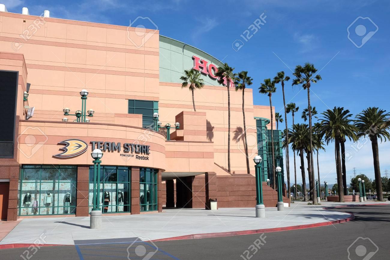 The Honda Store >> Anaheim Ca February 11 2015 The Honda Center Team Store The