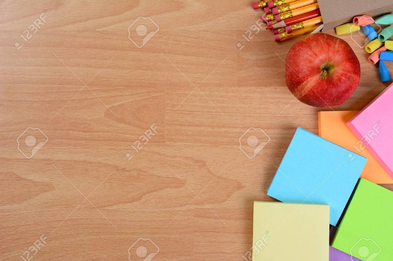 hohe winkel wieder in die schule stilleben auf einem holz lehrer