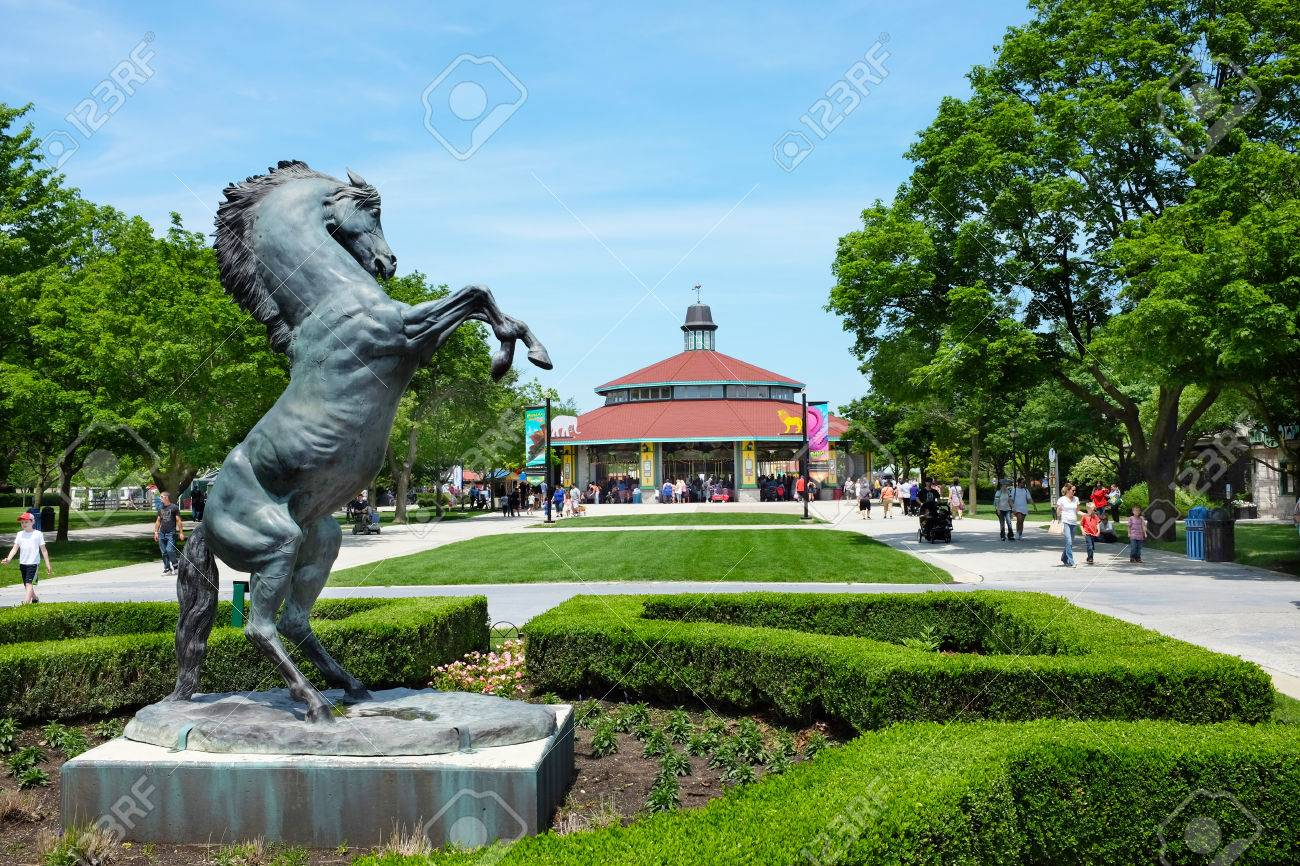 BROOKFIELD, ILLINOIS - MAY 27, 2017: Horse Statue and Carousel