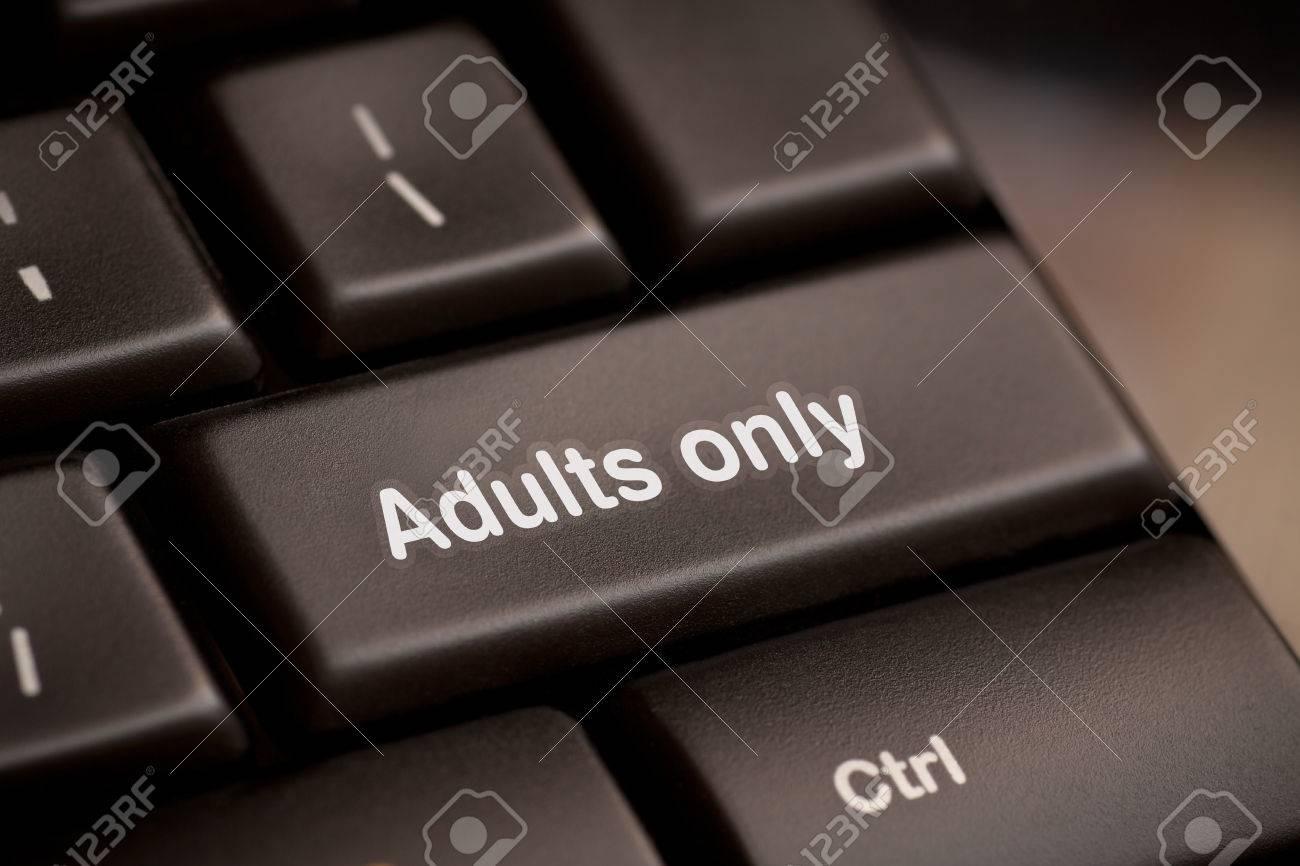 Adultes message uniquement sur la touche Entrée, pour pornographie Sites  concepts Banque d'images