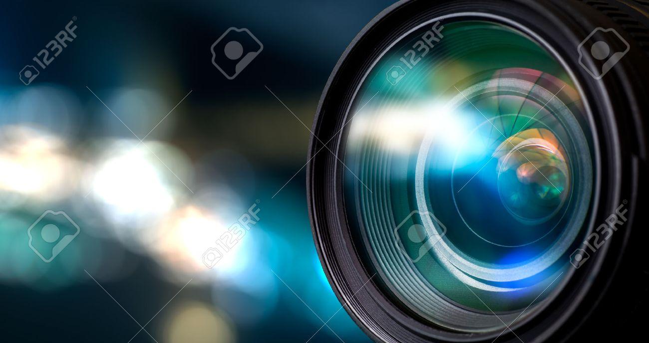 Lentille de l'appareil photo avec des reflets de Lense. Banque d'images - 44883775