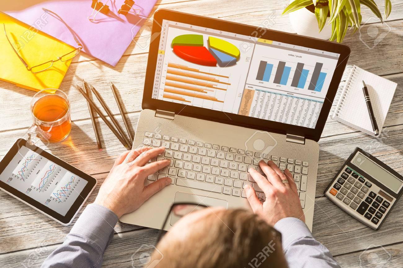 Graphique Digital Marketing Analysis Finance Concept - Image Banque d'images - 54420246