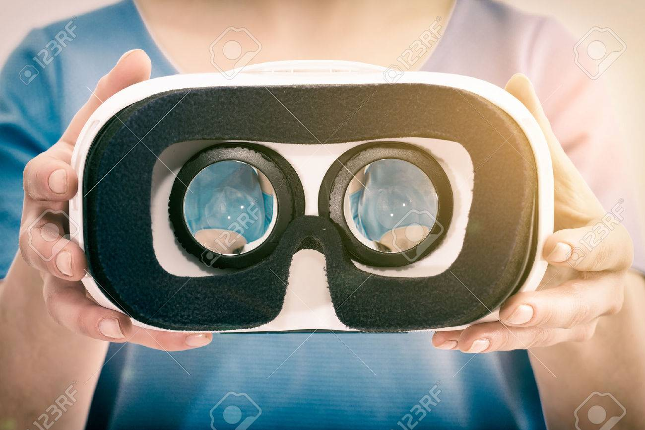 virtual vr glasses goggles headset - stock image Banque d'images - 57828081