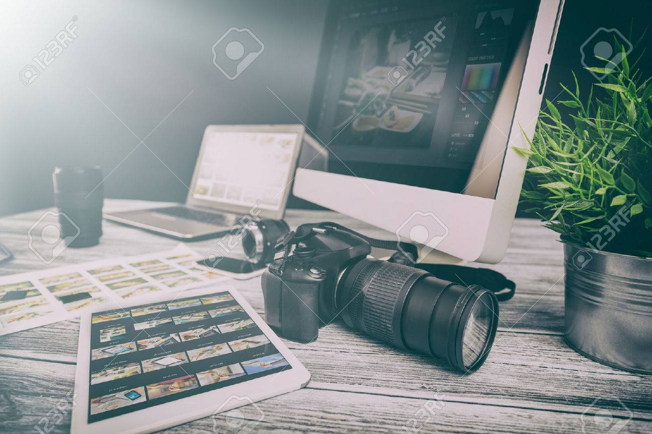 photographer journalist camera photo dslr editing edit designer photography teamwork team memories lighting shooting commercial contemporary shoot objects objective concept - stock image Stock Photo - 72092512
