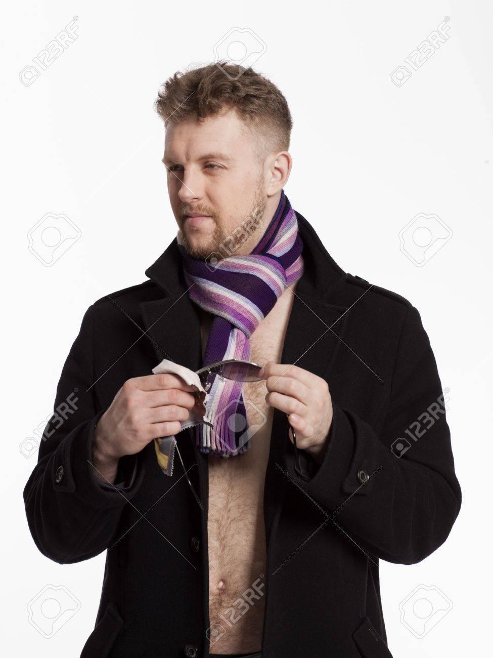 mann nackt mit mantel