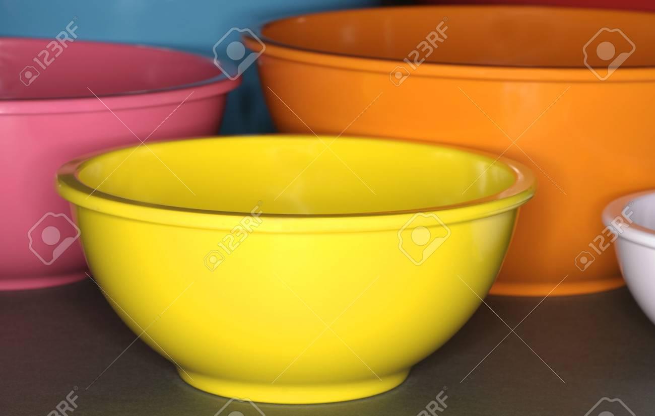 Rührschüsseln  Bright Rührschüsseln Für Küche Lizenzfreie Fotos, Bilder Und Stock ...