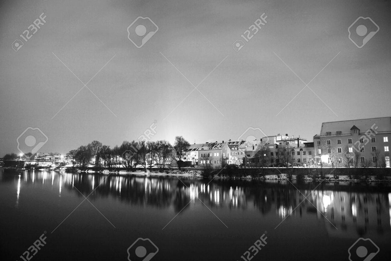 Night scene, lights and buildings in Regensburg Stock Photo - 350112