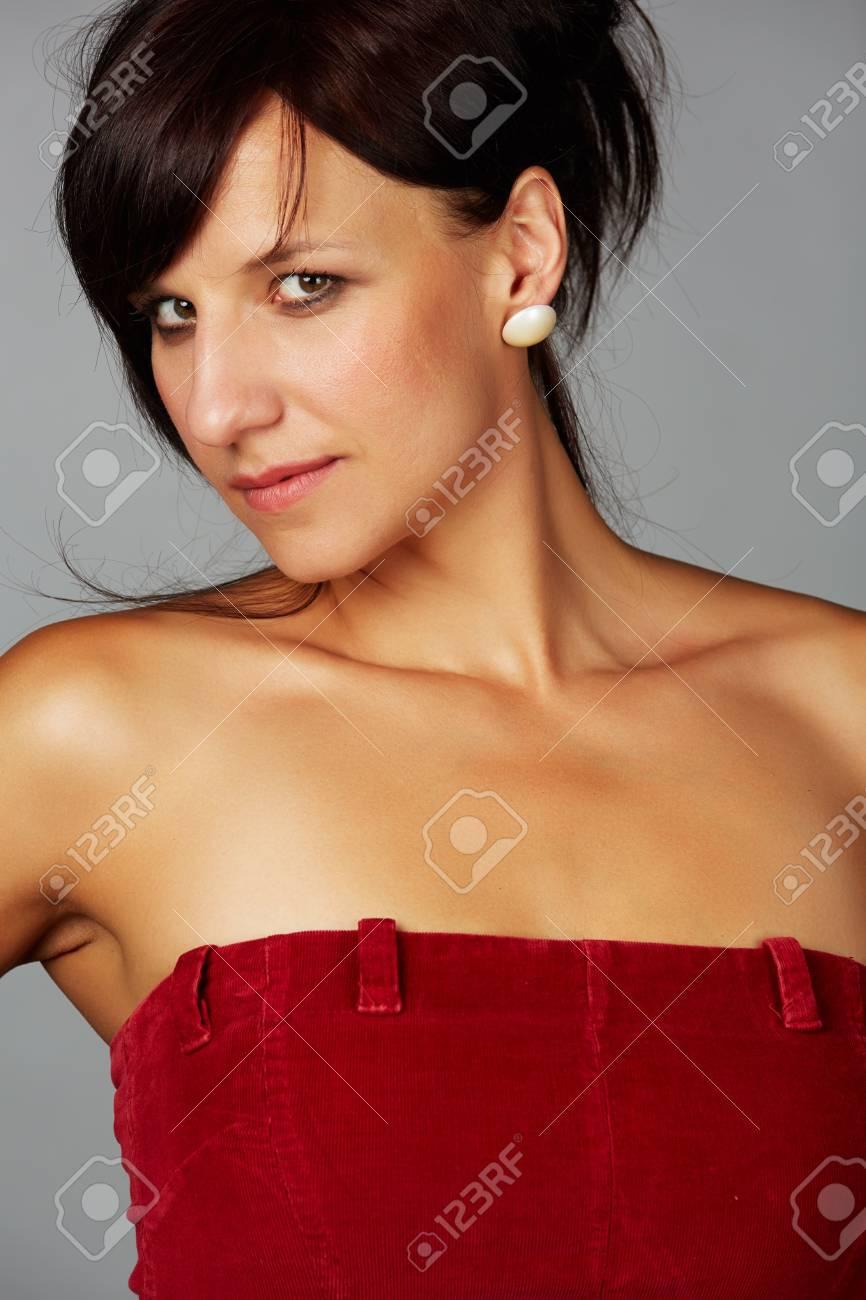 Exotic4k big bouncy latina emily mena uses her big tits