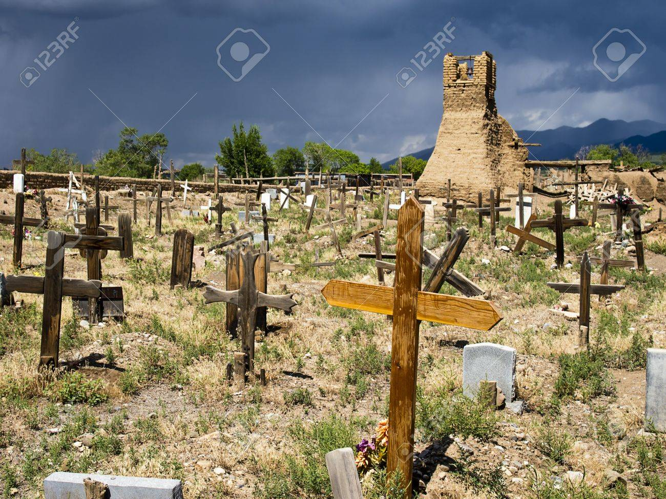 The old cemetery, surrounding the original church of San Geronimo,