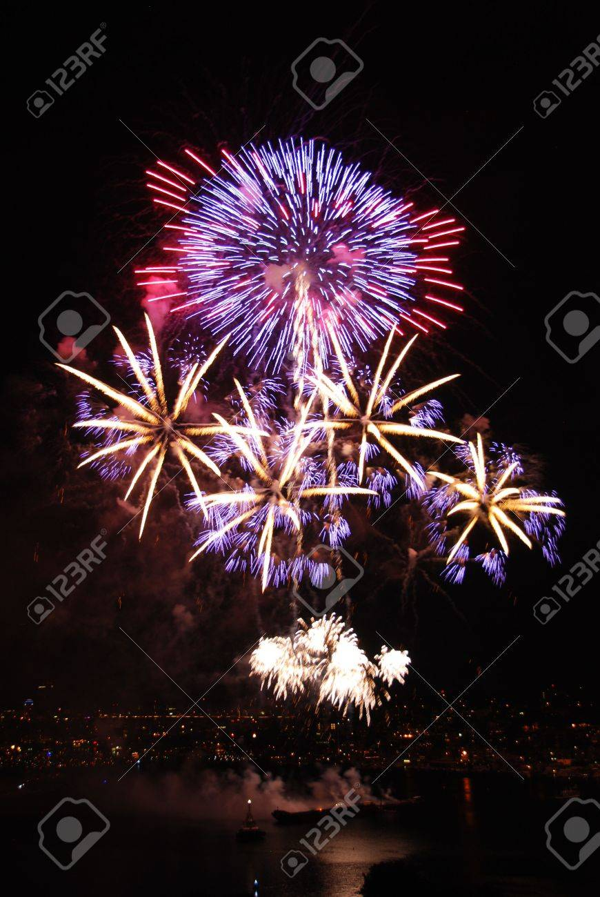 Bright colors for fireworks on the 4rth Stock Photo - 5810254