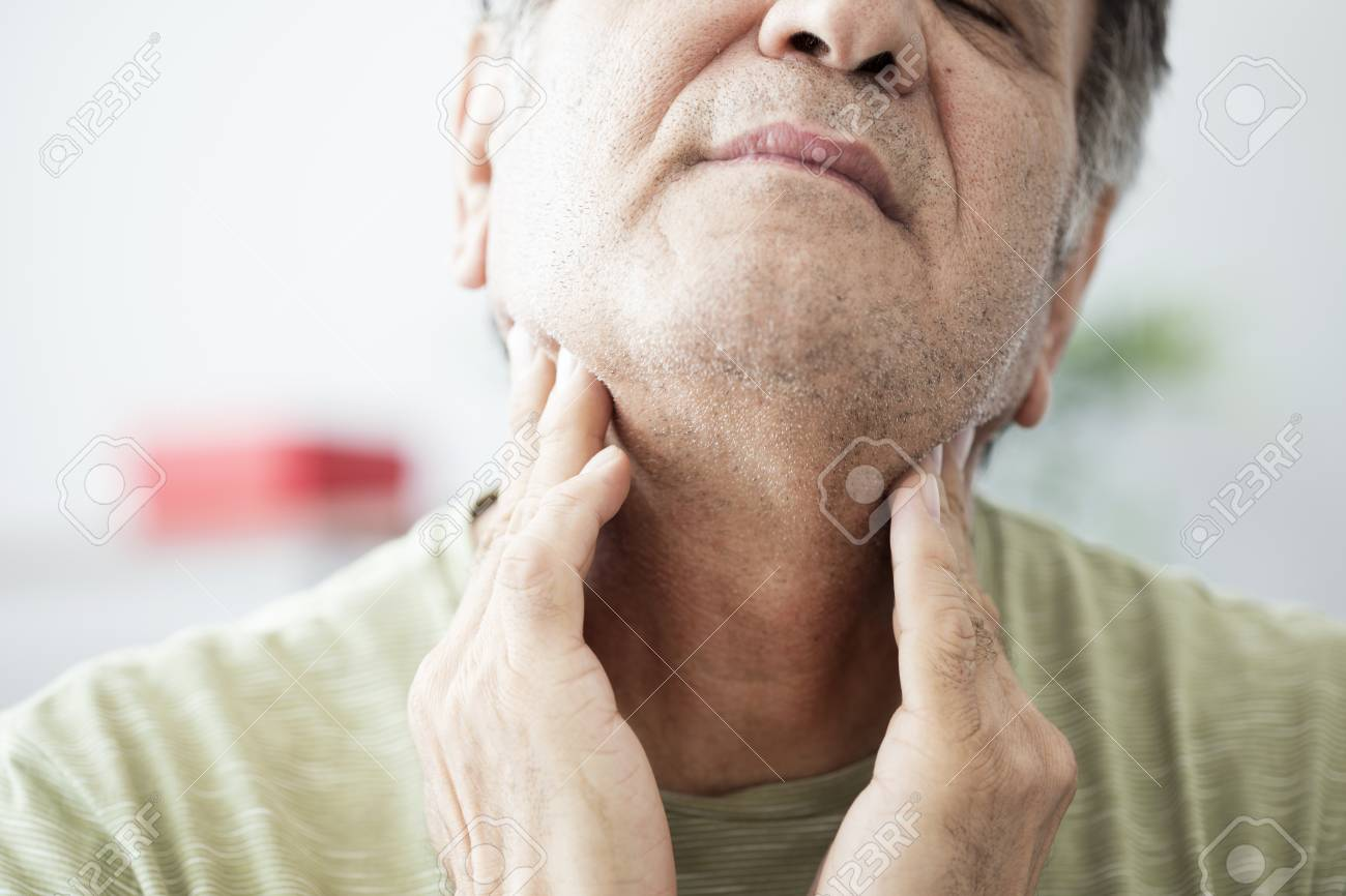 Old man feeling painful in the throat - 88262031