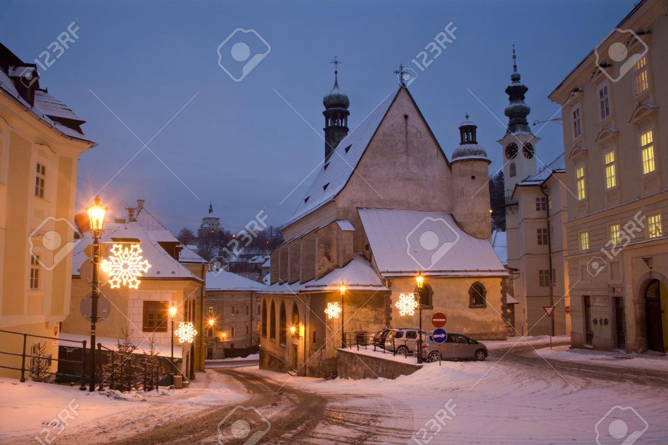 Banska Stiavnica - Slovakia - Gothic church and New castle in morning Stock Photo - 15620502