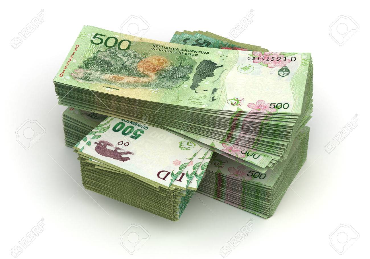 Stack of Argentina Pesos (isolated with clipping path) - 78997742