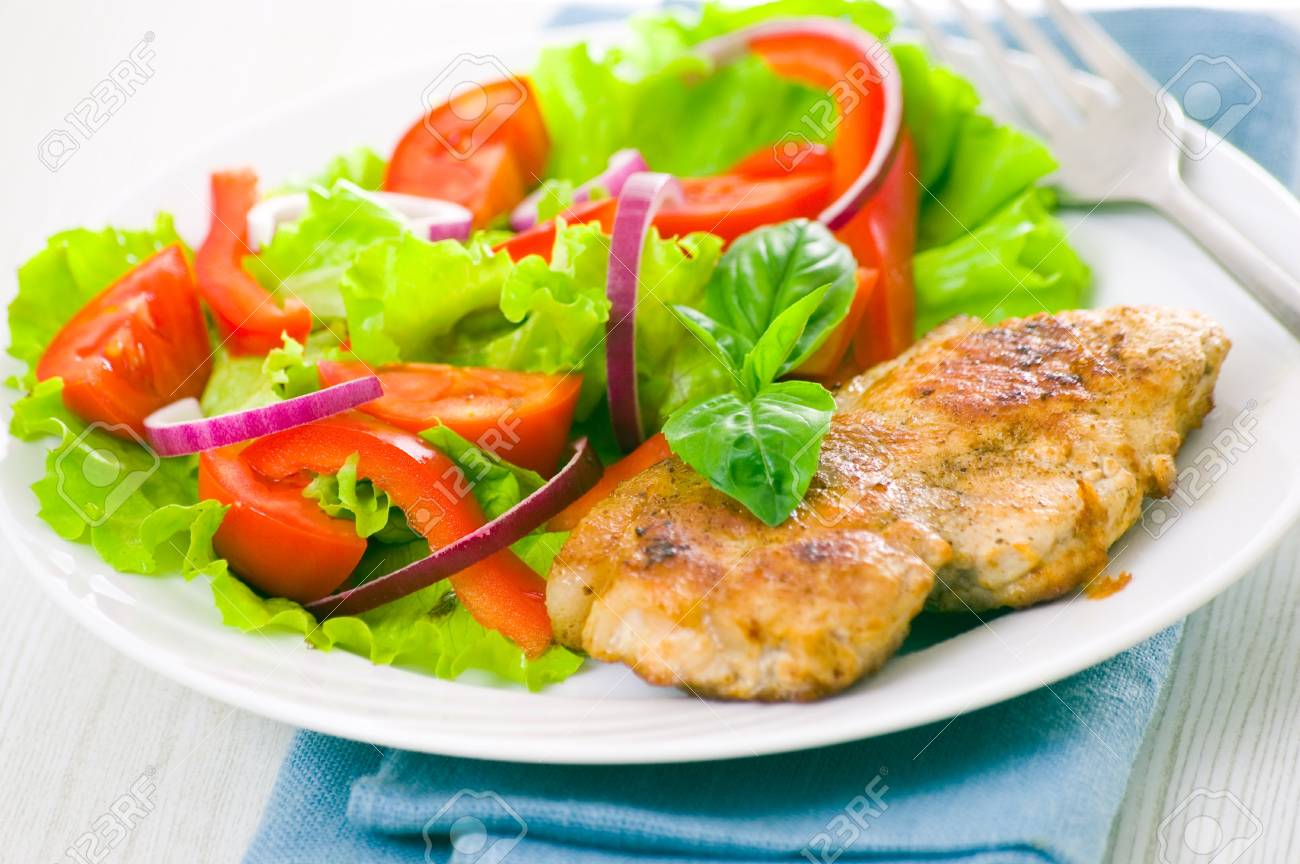 meat with vegetable salad Stock Photo - 18384777