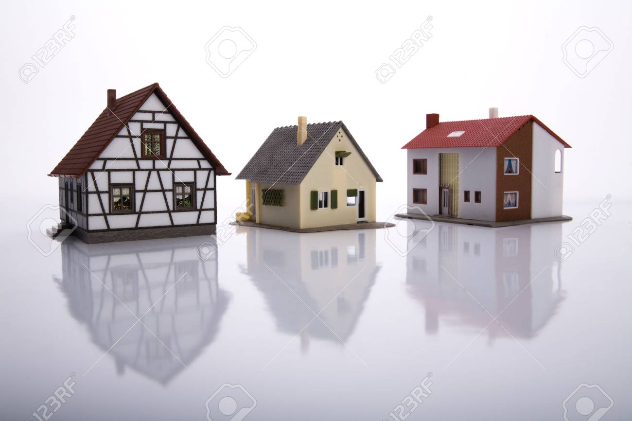 A house for sale. Stock Photo - 6721699