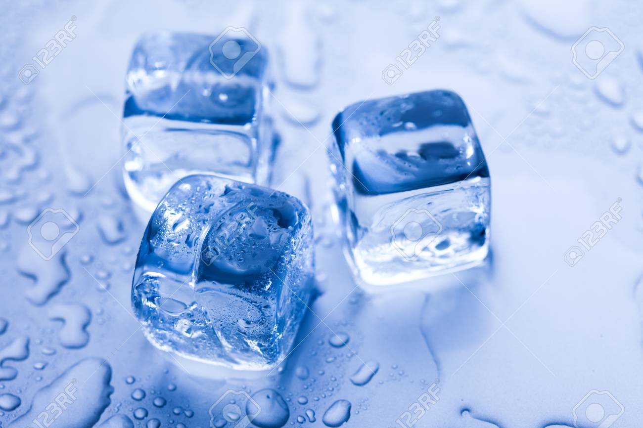 Ice cubes & aqua Stock Photo - 8808350