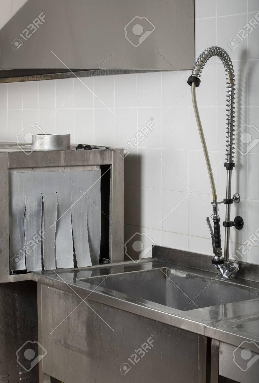 Grosse Industriekuche Geschirrspuler Und Spule Komplett Edelstahl