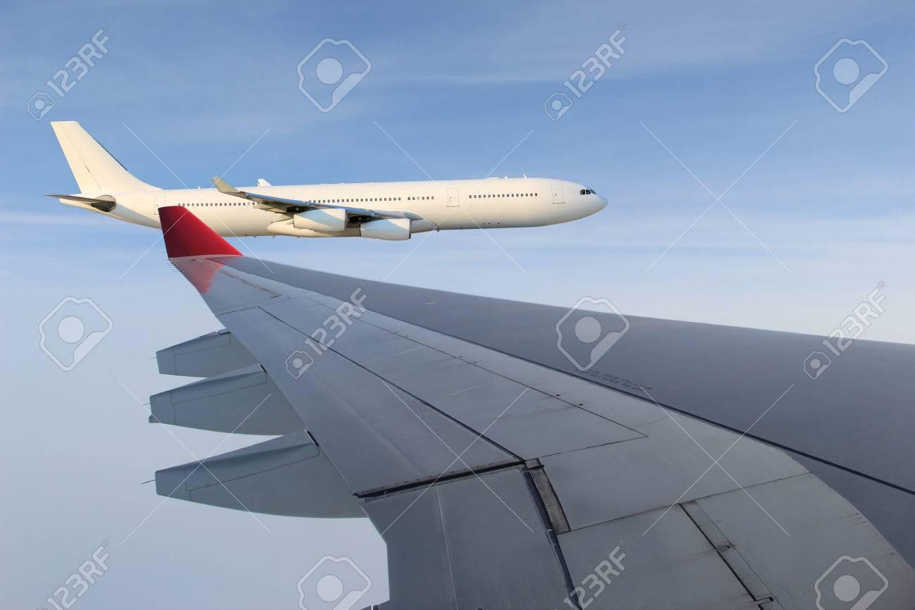 Blick Aus Dem Flugzeug Fenster Der Flügel Von Einem Flugzeug Fliegen