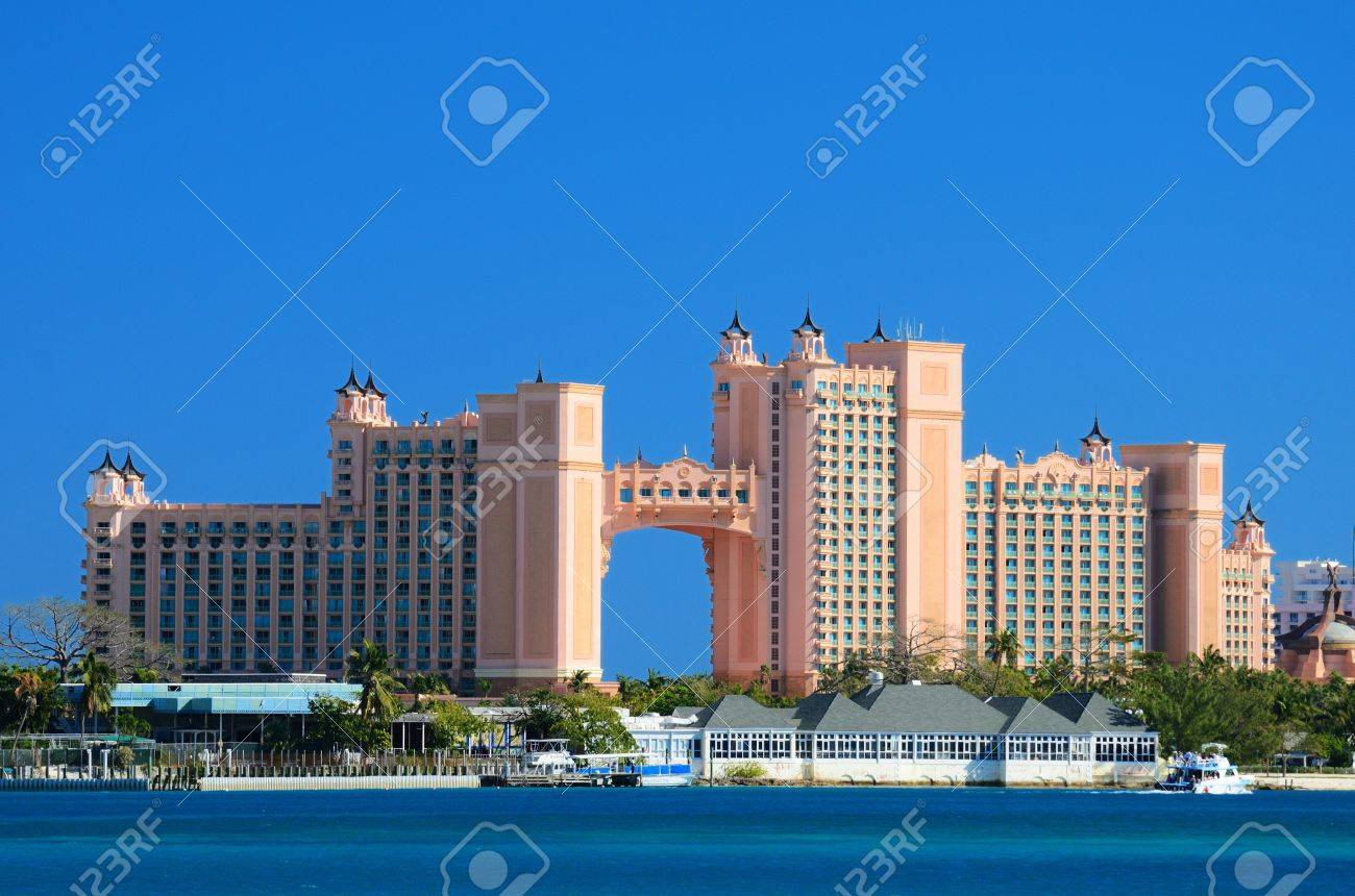 NASSAU, BAHAMAS - JANUARY 1: Atlantis Paradise Island January 1, 2012 in Nassau, Bahamas. The bridge suite located in the span is the most expensive suite in the world costing approximately $25,000 USD. Stock Photo - 11817691