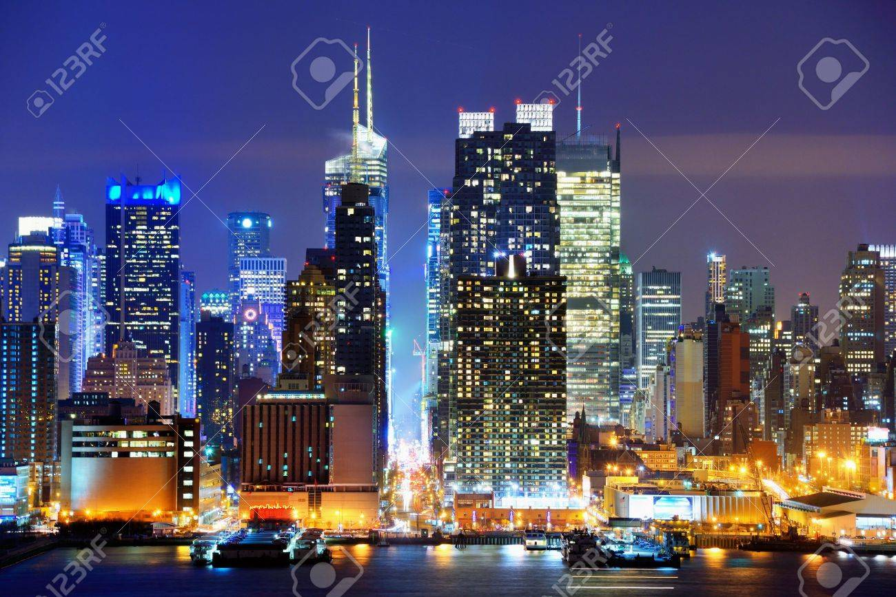 Lower Manhattan from across the Hudson River in New York City. Stock Photo - 19279887