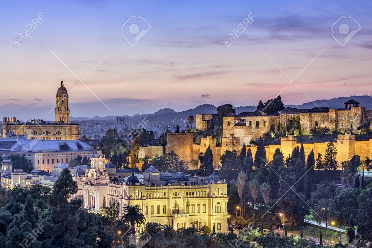 マラガの大聖堂、市庁舎、アルカ...
