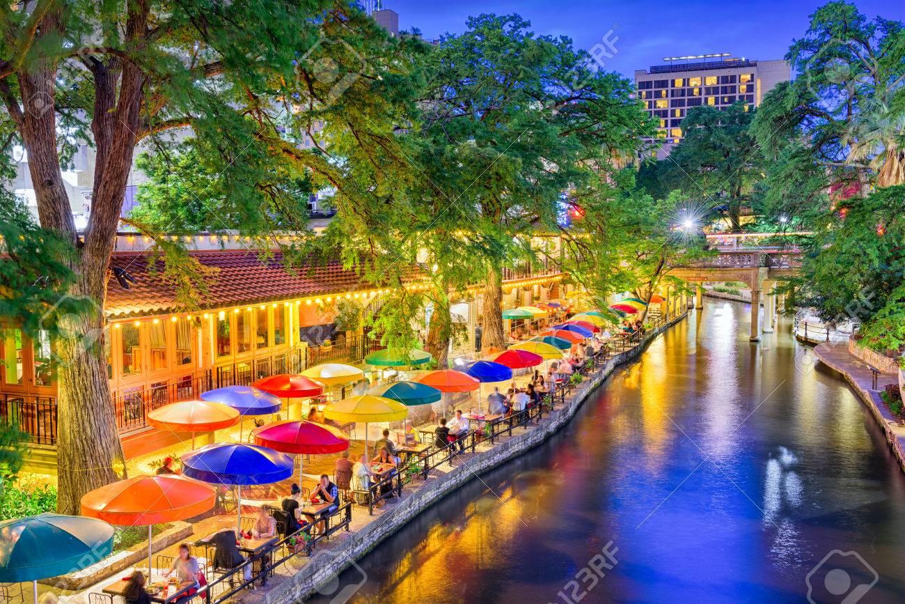 リバー ウォーク、サン ・ アントニオ、テキサス、米国都市の景観。 の ...