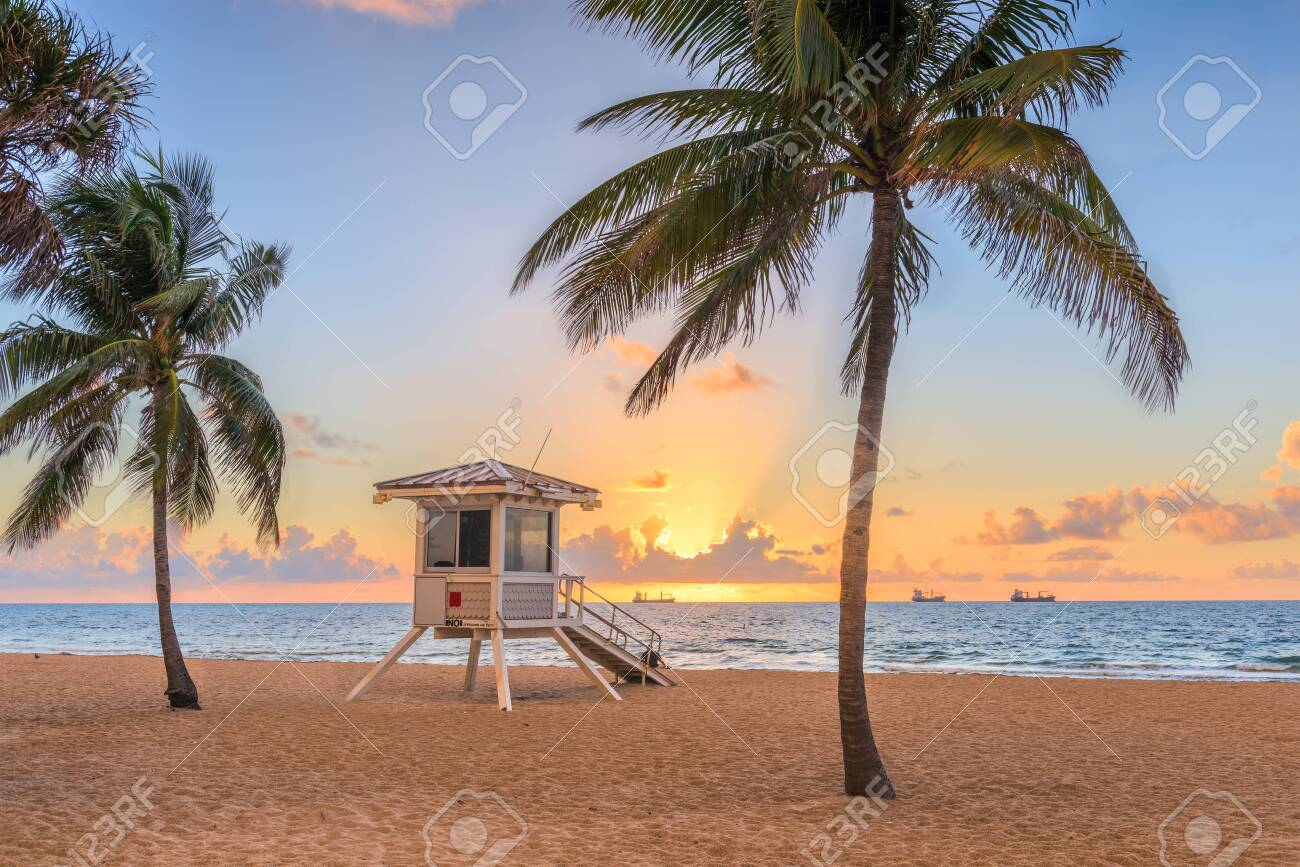 Fort Lauderdale, Florida, USA beach and life guard tower at sunrise. - 120492891