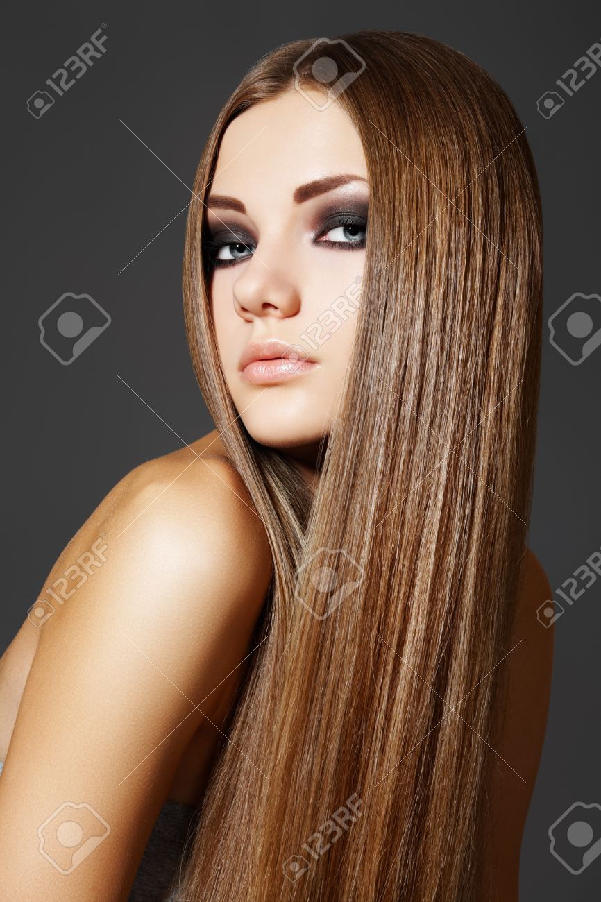 Wellness. Portrait of woman model with shiny long brown hair Stock Photo - 9305271