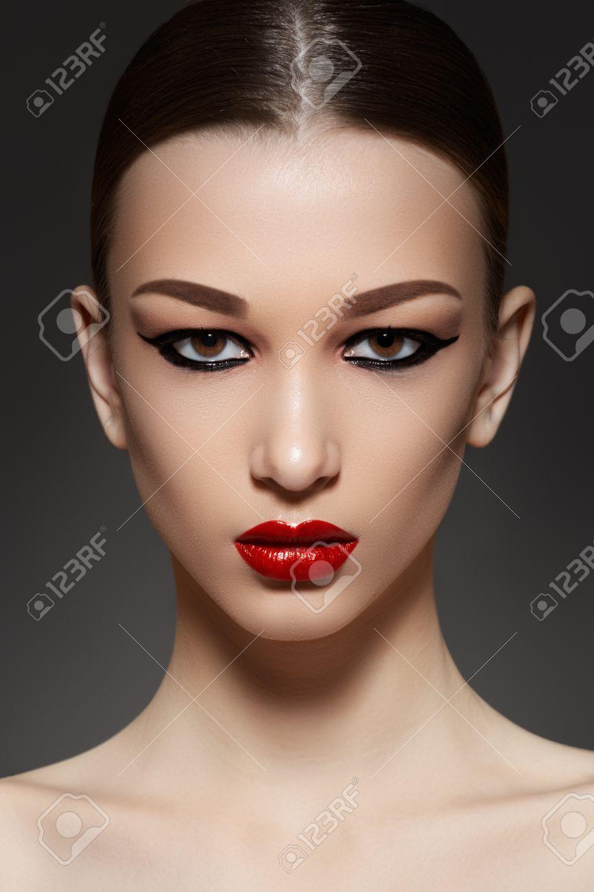 Resultado de imagen para fotos de rostro con delineador
