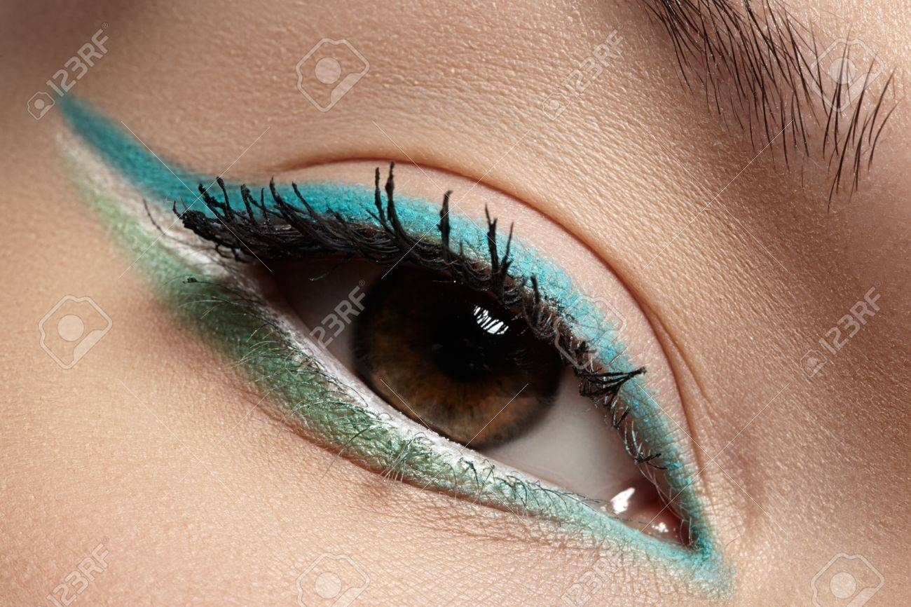 Trend beauty the turquoise eye forecasting to wear in summer in 2019