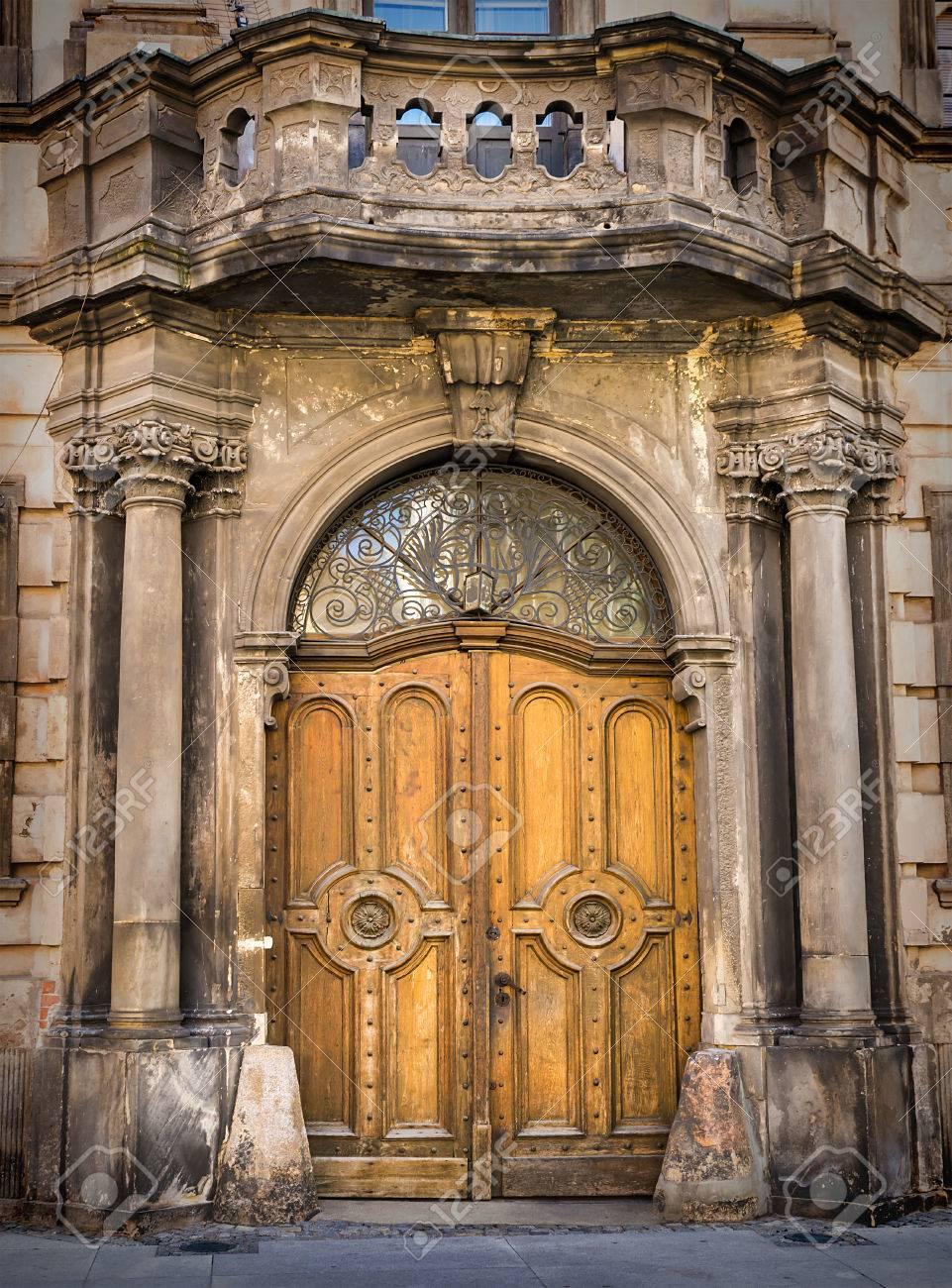 Architektonische Elemente Der Alten Europäischen Stil Türen ...