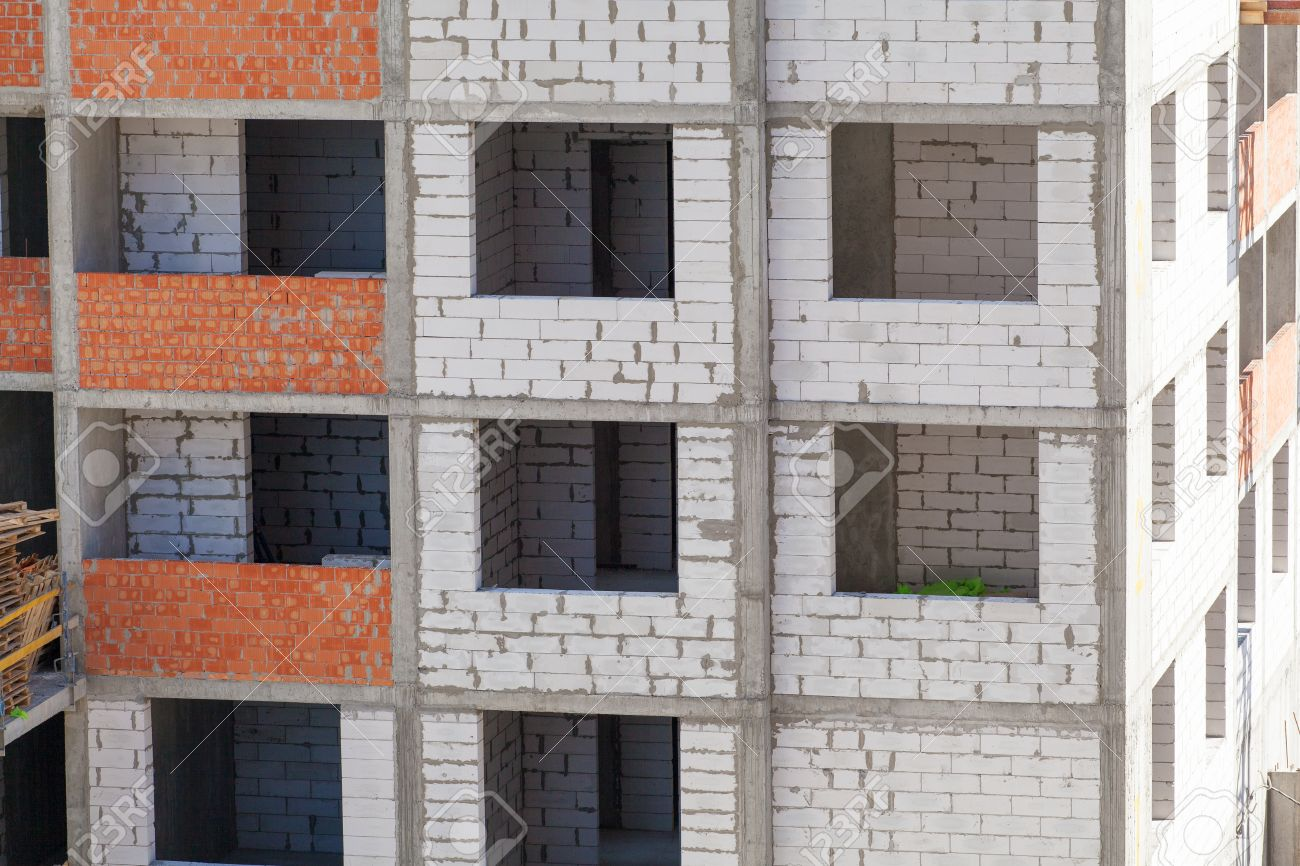 Monolithischer Rahmenkonstruktion Des Gebäudes. Massivwände Aus ...