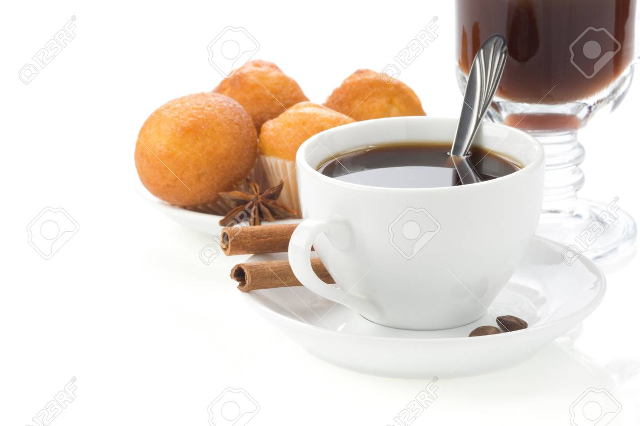 cup of coffee with beans isolated on white background Stock Photo - 13005363