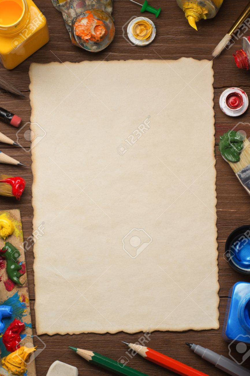 brush and painting  on wood background Stock Photo - 17301630