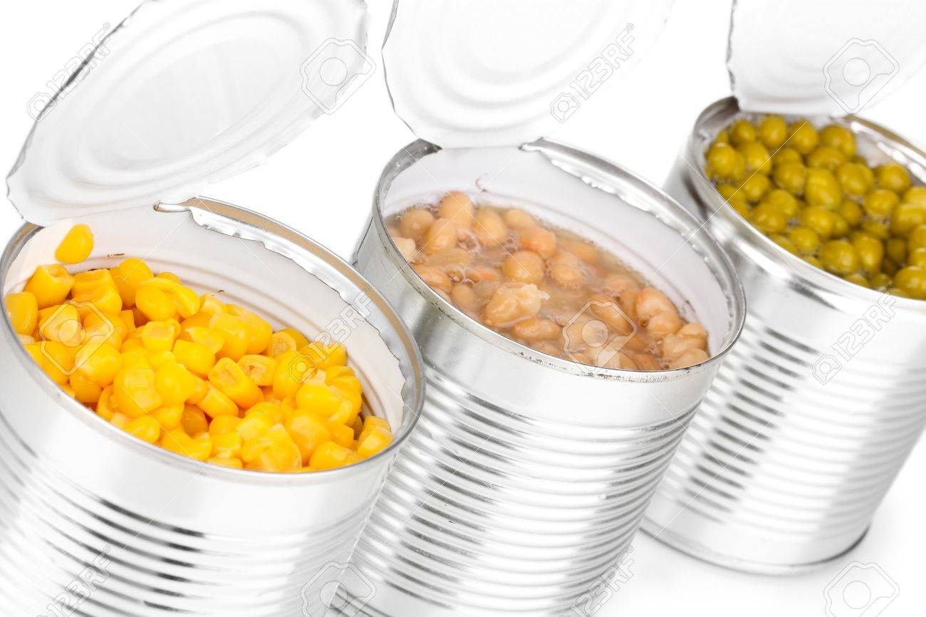 Open tin cans of corn, beans and peas isolated on white Stock Photo - 13517231