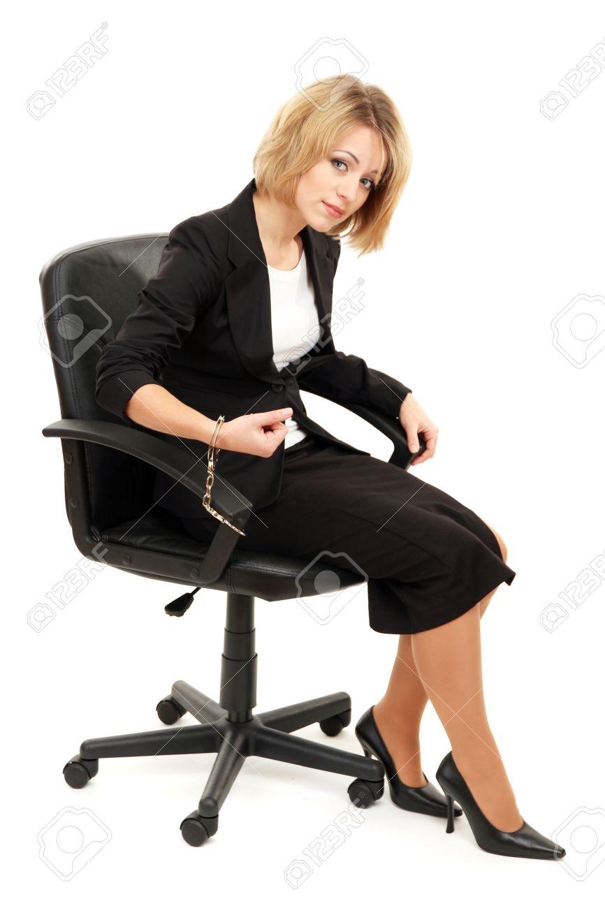 Привязать женщину к стулу 22 фотография
