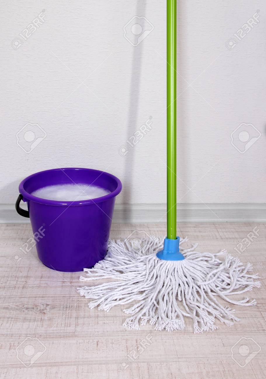 Laver le sol et tout le nettoyage des sols