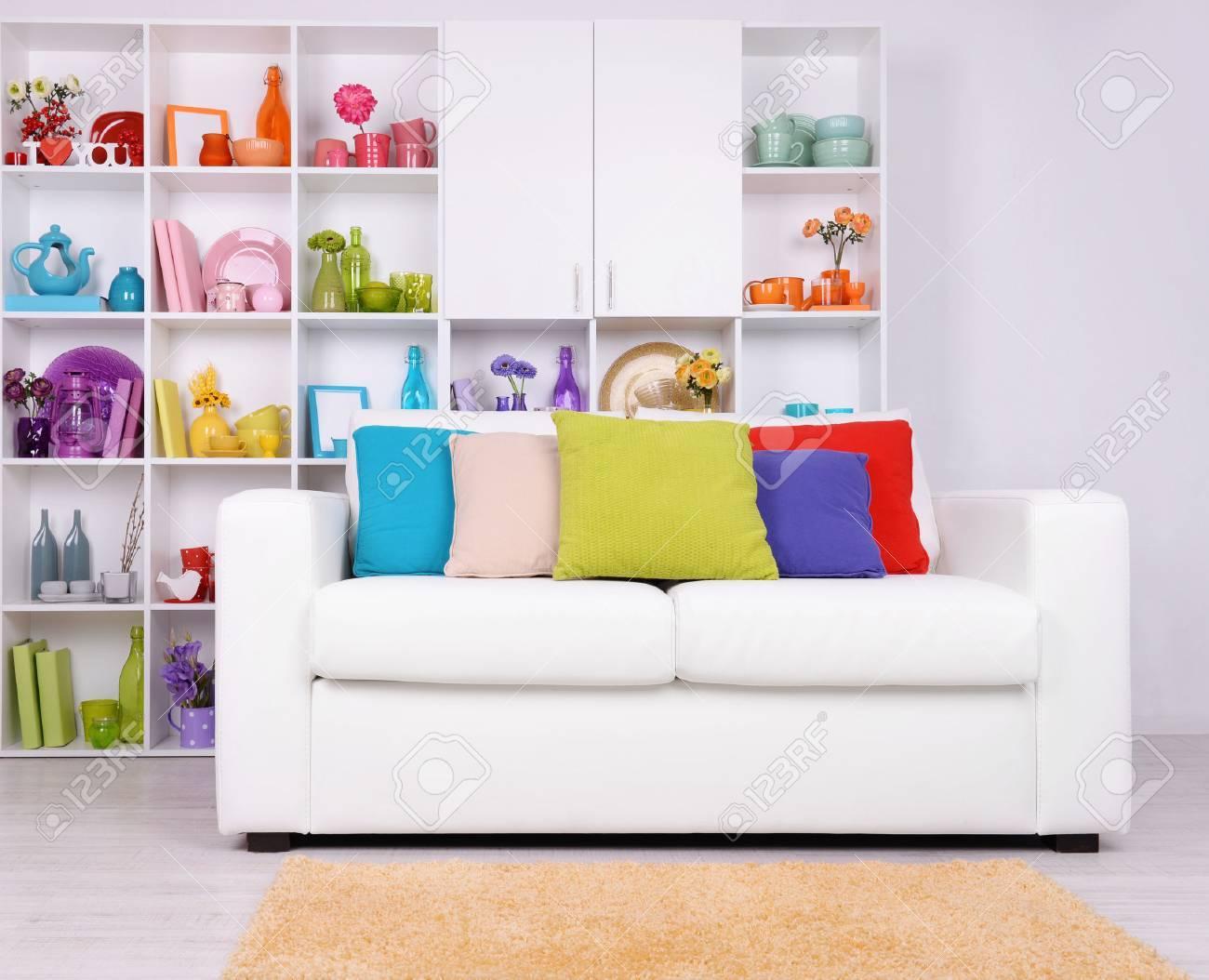Moderne Innenarchitektur Weiß Wohnzimmer Mit Sofa Und Bücherregal