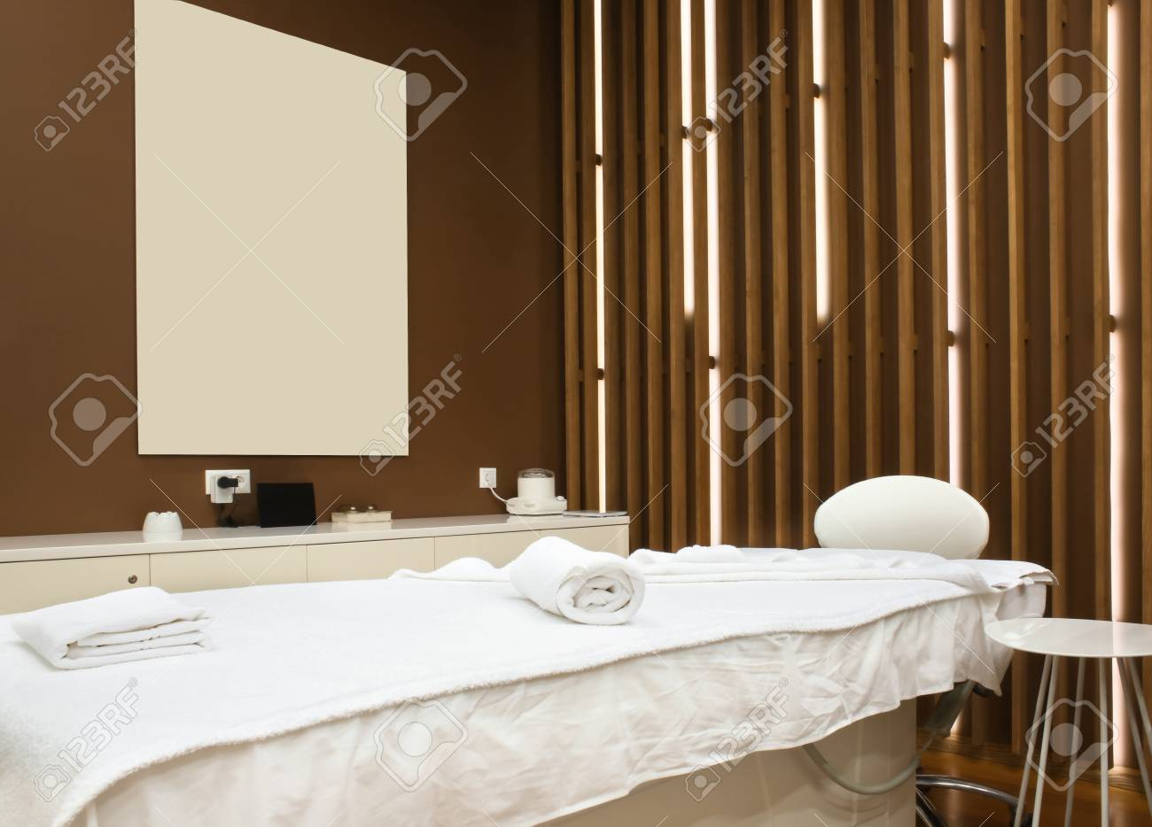 Interior Of Modern Spa Salon Lizenzfreie Fotos, Bilder Und Stock ...