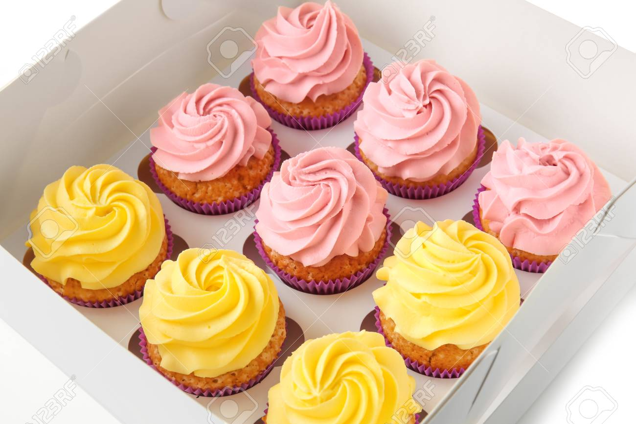 Delicious cupcakes in cardboard box - 115231421