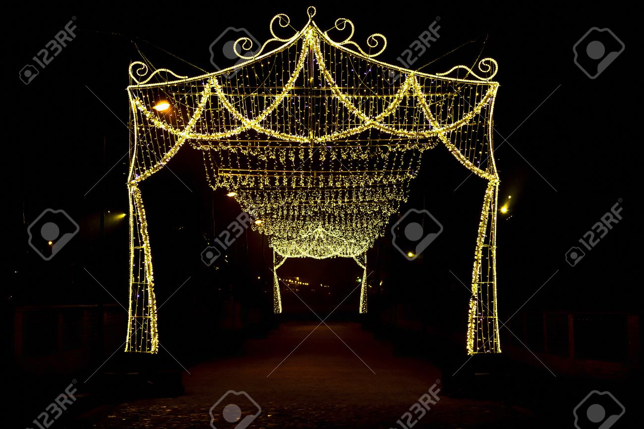 Arch with Canopy of Christmas Lights at Night Stock Photo - 48904347 & Arch With Canopy Of Christmas Lights At Night Stock Photo Picture ...