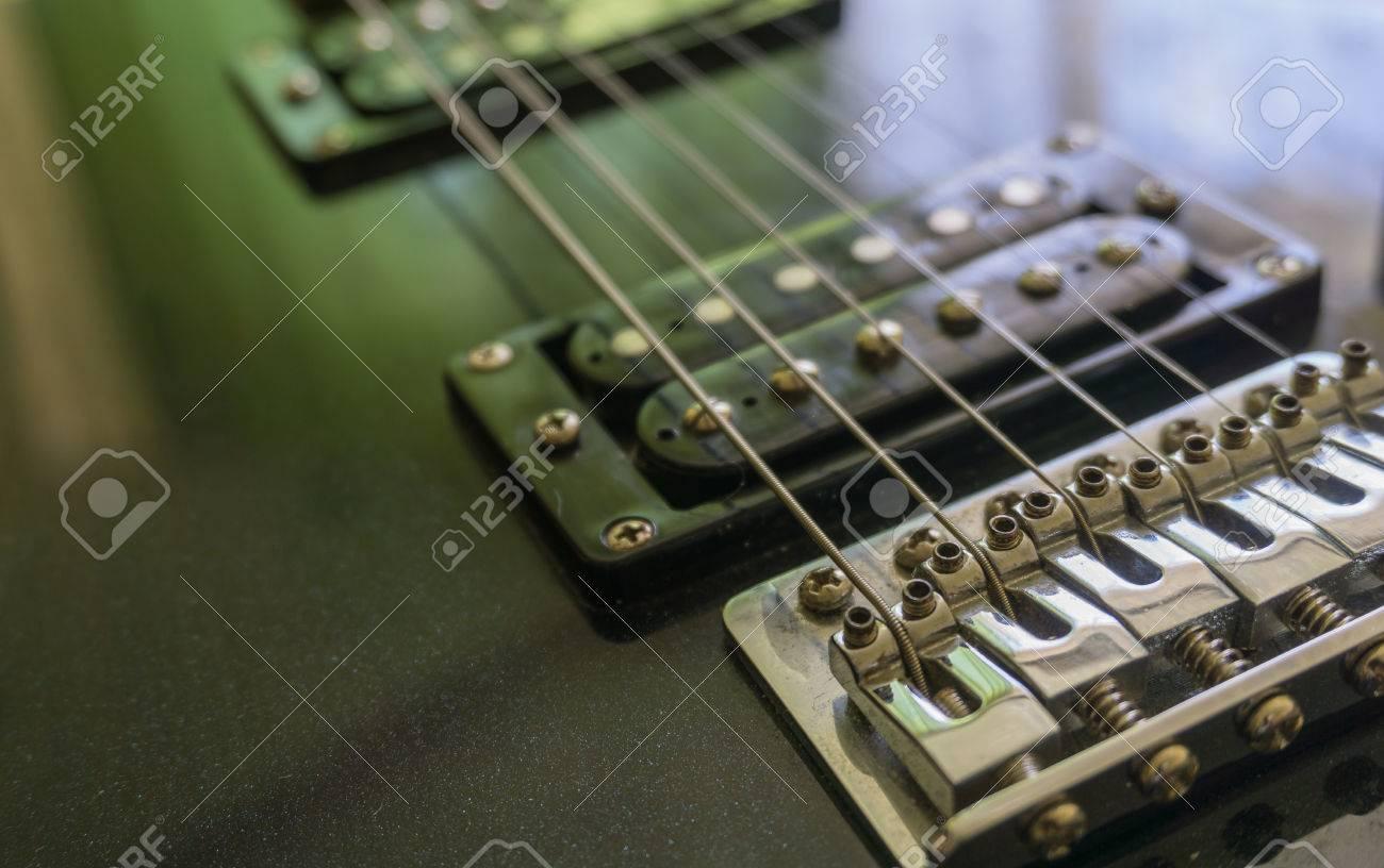 Großzügig Wie Man Gitarren Pickups Verbindet Bilder - Elektrische ...